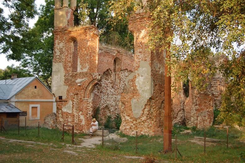 Zamek w MielnikuNieistniejący obecnie zamek w Mielniku, powstający od XV wieku i rozbudowany w stylu renesansowym w XVI wieku. Zniszczony został w połowie