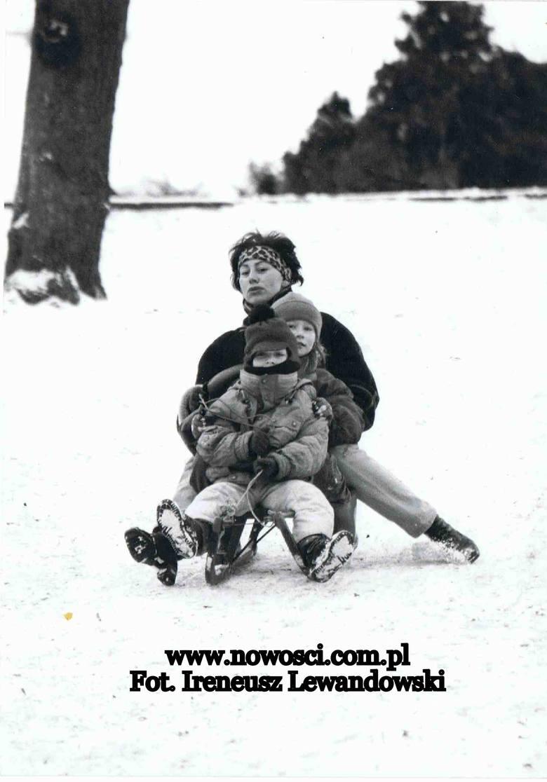 W 1995 roku pierwszy śnieg spadł już w listopadzie. Podobnie było dwa lata później, saperzy z Chełmna, którzy akurat wtedy zabrali się za budowę mostka
