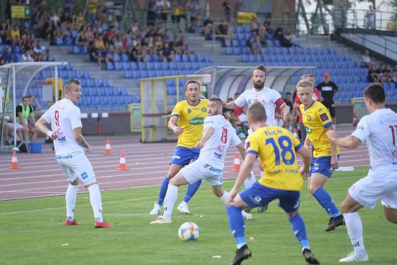 Elana Toruń wygrała 4:1 (0:1) z Legionovią w meczu siódmej kolejki II ligi. Do przerwy prowadzili goście, ale w drugiej części spotkania dwa gole strzelił