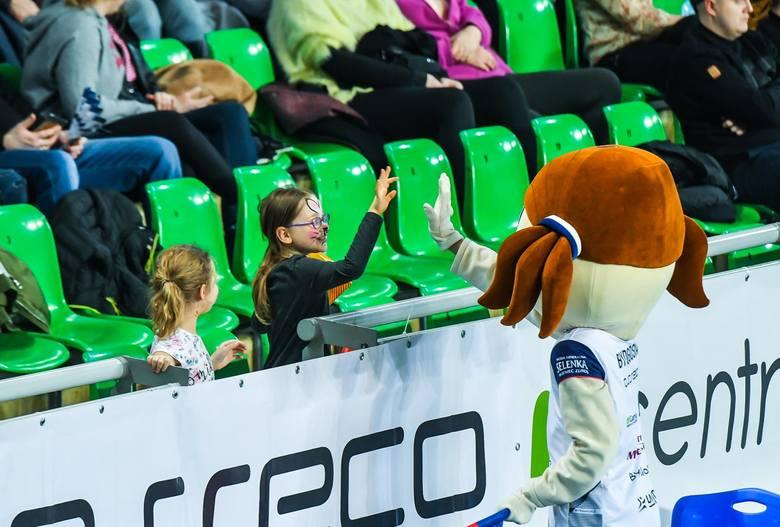 Bank Pocztowy Pałac pokonał we własnej hali Legionovię 3:0 (15, 21, 23) w meczu przedostatniej kolejki sezonu zasadniczego Ligi Siatkówki Kobiet. Bydgoszczanki