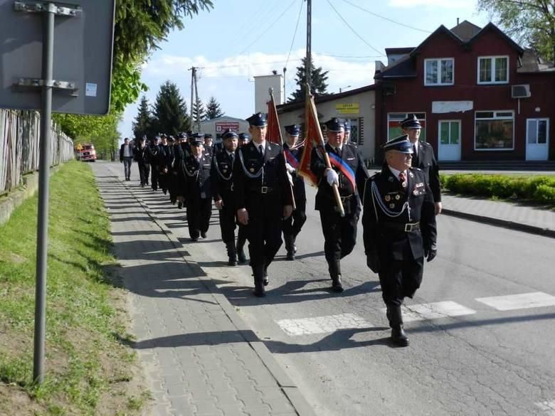 W Papowie Biskupim odbyły się gminne obchody Dnia Strażaka z udziałem druhów z jednostek OSP Dubielno, OSP Firlus oraz OSP Papowo Biskupie. Dla papowskich