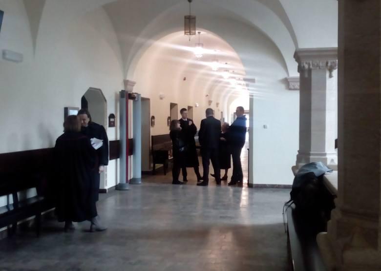 Na korytarzu sądowym czekała rodzina Patryka P.