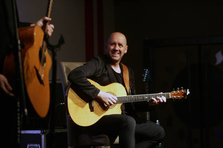 Marek Napiórkowski zagra  w Poznaniu w niedzielę w koncercie Dire Straits Symfonicznie