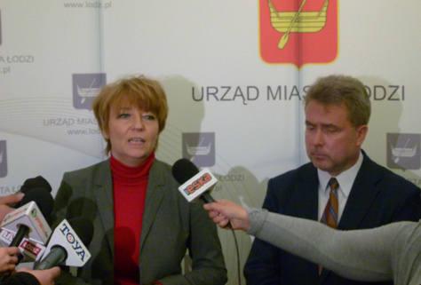 Prezydent Hanna Zdanowska podczas konferencji prasowej.
