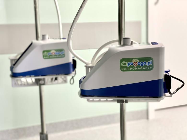 Urządzenia do tlenoterapii znajdują się już w Wojewódzkim Szpitalu Specjalistycznym nr 5 (św. Barbara) w Sosnowcu. Zobacz kolejne zdjęcia. Przesuń zdjęcia