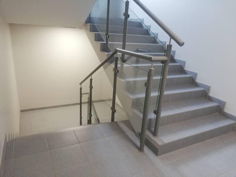 Balustrady, schody, bramy i ogrodzenia