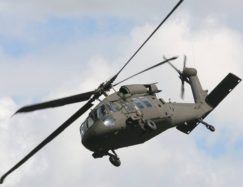 śmigłowiec S-70i Black Hawk w locie. Fot. Krzysztof Łokaj
