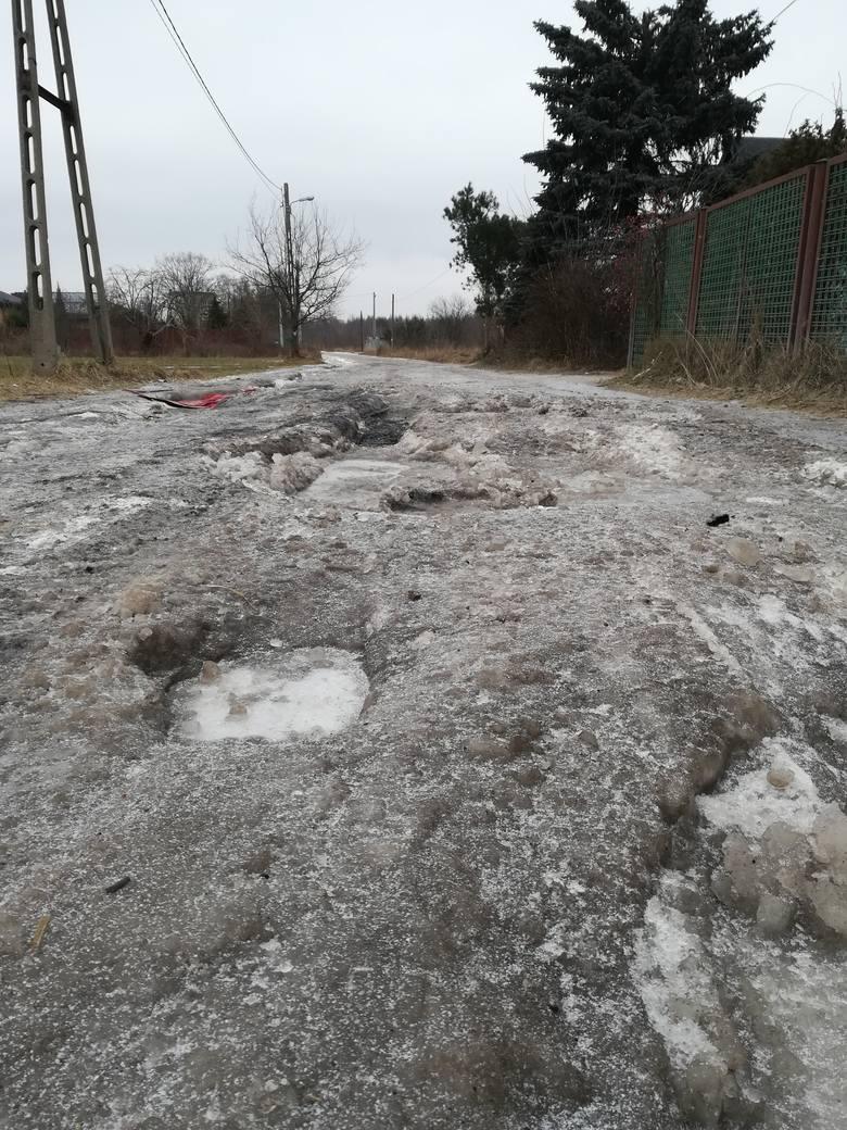 Ulica jak z koszmaru, pełna dziur, ma już nowy asfalt i chodnik. Potrzebne było na to 19 mln zł! ZDJĘCIA