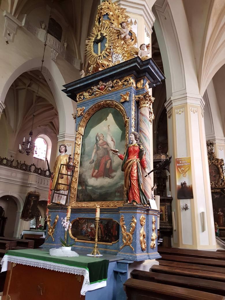 Przyjmuje się, że do końca XIV w. powstały podstawowe dla konwentu obiekty, scalone w następnym stuleciu wokół wirydarza, przylegającego do północnej nawy kościoła.