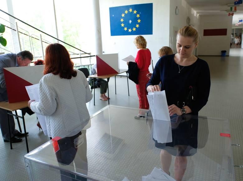 Trwają wybory do Parlamentu Europejskiego 2019. W całej Polsce spośród 866 kandydatów wybierzemy 52 europosłów. Na Podkarpaciu mamy 68 kandydatów. Czterech