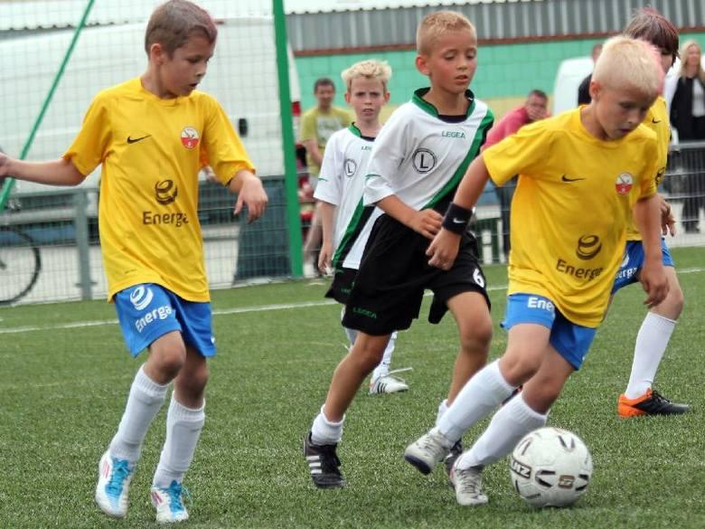 Młodzi piłkarze z APN Ostrołęka zaliczani są do grona faworytów imprezy.