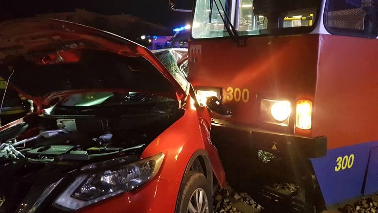Około godz. 23.30 (26 października) na Osiedlu Bajka w Fordonie rozległ się huk. Kilka minut później słychać było jęk syren strażackich. Na ulicy Generała