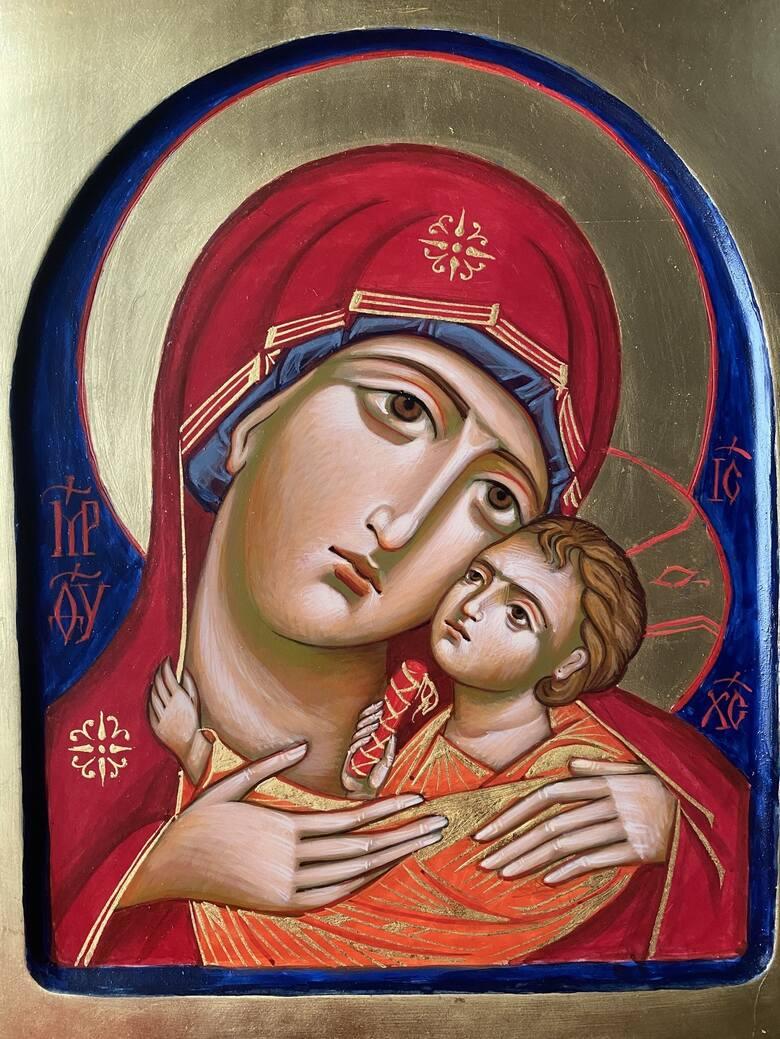 Ikony najczęściej przedstawiają Maryję lub innych świętych, rzadziej - konkretne sceny biblijne