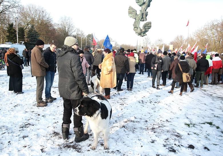Pikieta KOD w Szczecinie w obronie wolnych mediów