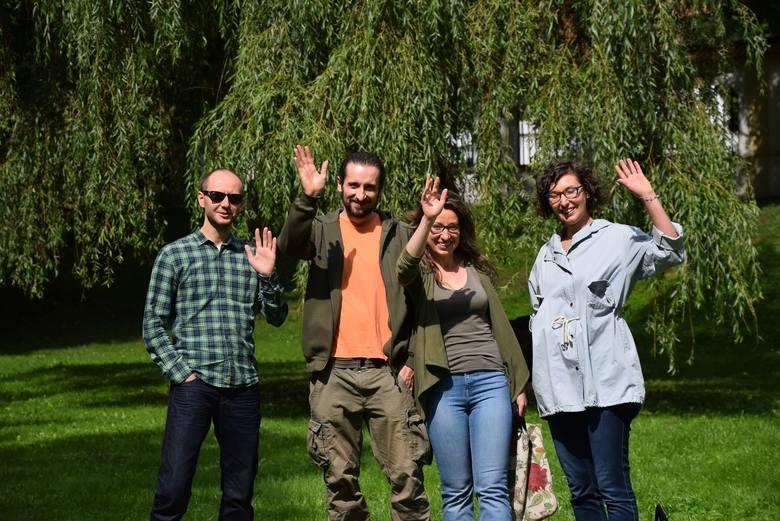 Jan Perkowski, Łukasz Denisiuk, Marta Zajkowska i Agata Papierz z grupą przyjaciół w 2010 roku zaprosili białostoczan na tańce w niecce suchego stawu. Z uśmiechem wspominają swój zapał i tłumy, których zupełnie się nie spodziewali.