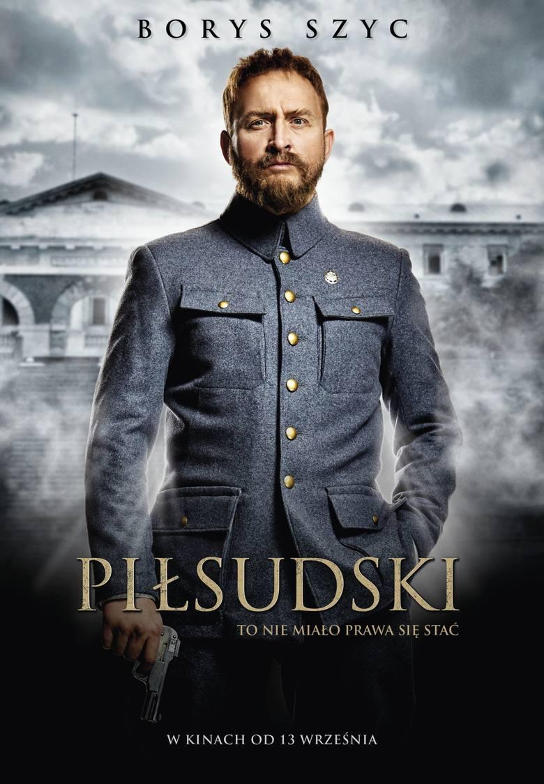 """Borys Szyc: Mój Piłsudski napada na pociągi, kradnie pieniądze i lubi kobiety. 13 września do kin wchodzi film """"Piłsudski"""""""