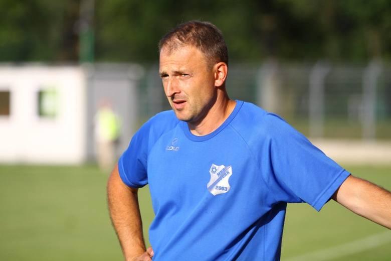 - Jeśli chcemy wydostać się z samego dołu tabeli, to musimy wygrywać - mówi szkoleniowiec MKS-u Andrzej Konwiński.