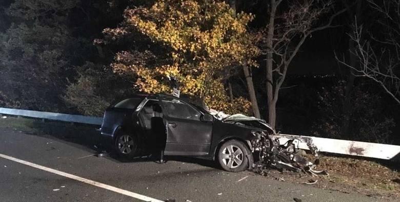 Śmiertelny wypadek w Kończewicach 5.11.2018. Ciężarówka zderzyła się z osobówką
