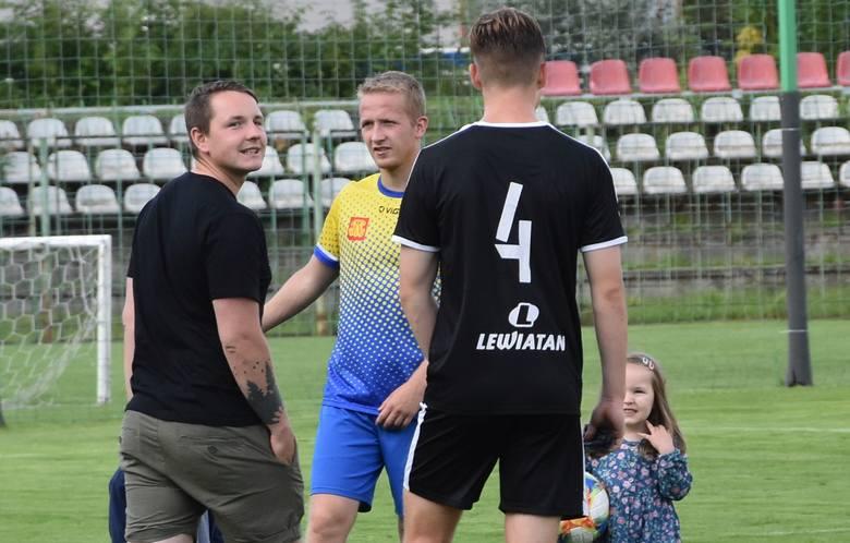 W półfinale Regionalnego Totolotek Pucharu Polski Korona II Kielce pokonała Neptun Końskie 5:0. Zapraszamy do obejrzenia kulisowych zdjęć z tego pojedynku.