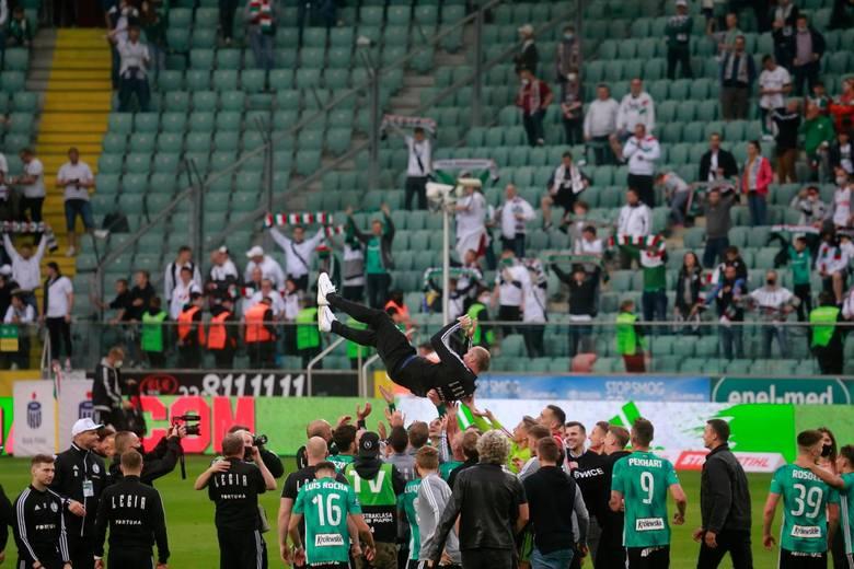 Przed nami już tylko dwie kolejki PKO BP Ekstraklasy. Legia Warszawa od soboty jest nowym mistrzem Polski, ale piłkarze Aleksandara Vukovicia wcale nie