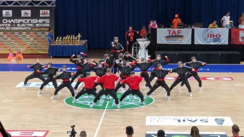 Z trzema medalami wrócili z mistrzostw świata w Niemczech tancerze Up2 Excellence Studio. Niekwestionowany sukces odniosła grupa Wolf Kids, która po