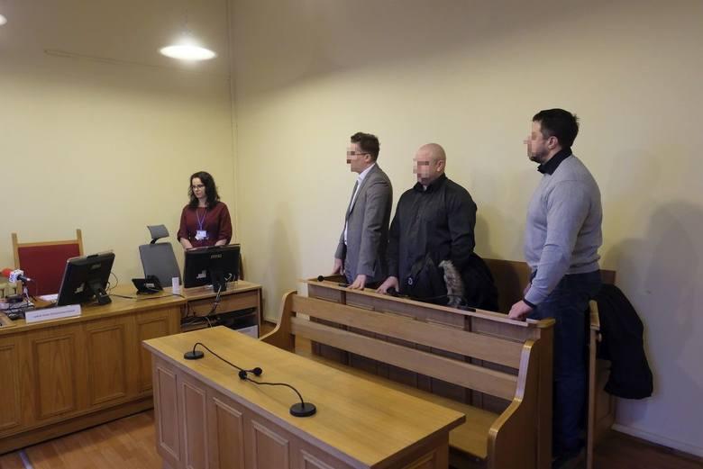Bartosz L., prezes firmy pożyczkowej Moment Finance w Toruniu oraz trzej jego pracownicy usłyszeli dziś (23.12) wyroki za uporczywe nękanie pożyczkobiorców.