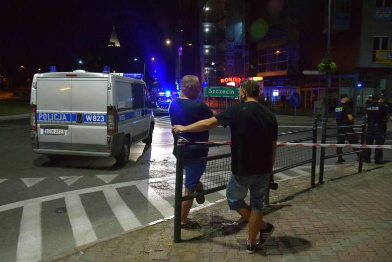 Wypadek w Stargardzie: Masakra na Wyszyńskiego. 18-latek wjechał BMW w widzów nielegalnego driftu [ZDJĘCIA, WIDEO]]