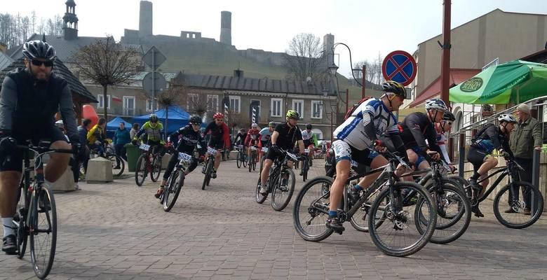 W niedzielę w Chęcinach odbył się MTB Cross Maraton. Wystartowało 600 zawodników z całej Polski i zagranicy - z Ukrainy i Hiszpanii. Rywalizacja była