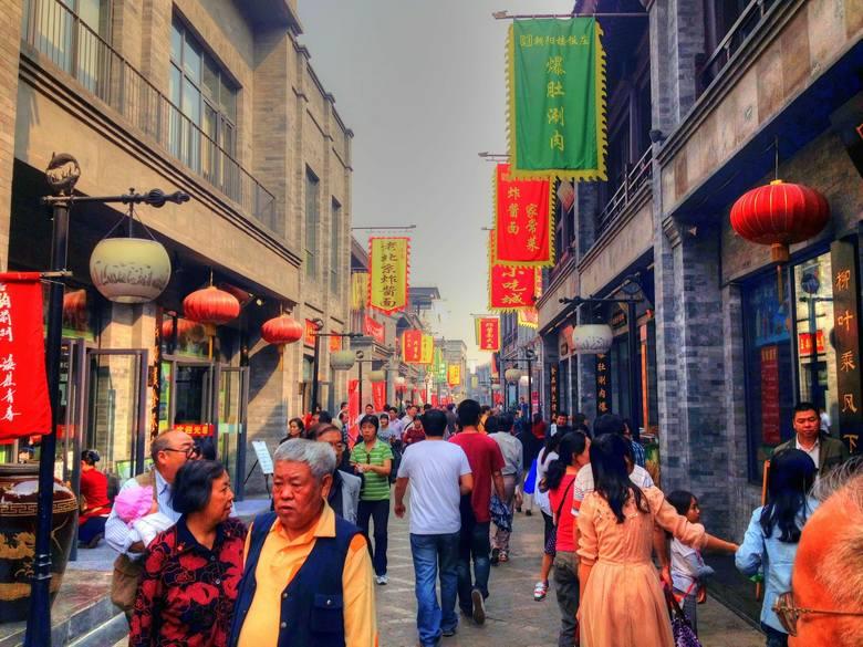 Uniwersytet Łódzki wstrzymał przyjazd na UŁ czterech grup studentów z Chin z powodu występowania w tym kraju epidemii koronawirusa.Uczelnia poinformowała