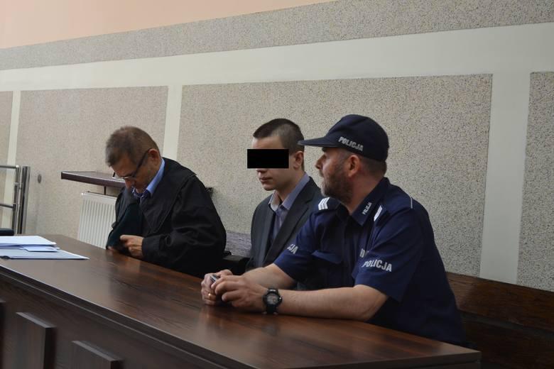 Wypadek w Konopiskach. Oskarżony stanął przed sądem ZDJĘCIA