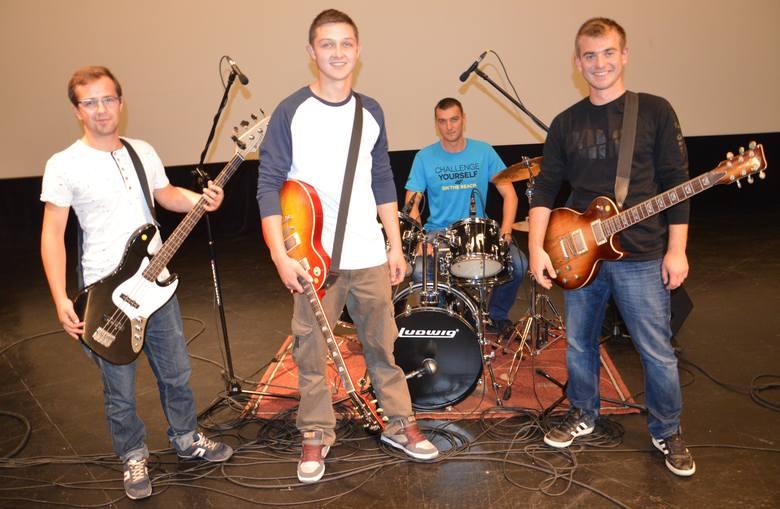 """Chłopakom z """"Ad Overs"""" w sercach gra polski rock! [FOTO, FILM, AUDIO]"""