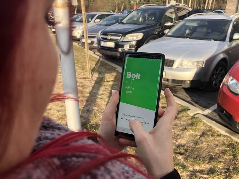 Dopiero 1 stycznia 2020 r. wejdzie w życie nowe prawo, legalizujące usługi Bolta czy Ubera. W Toruniu jednak pierwsza z firm już chce się reaktywować.
