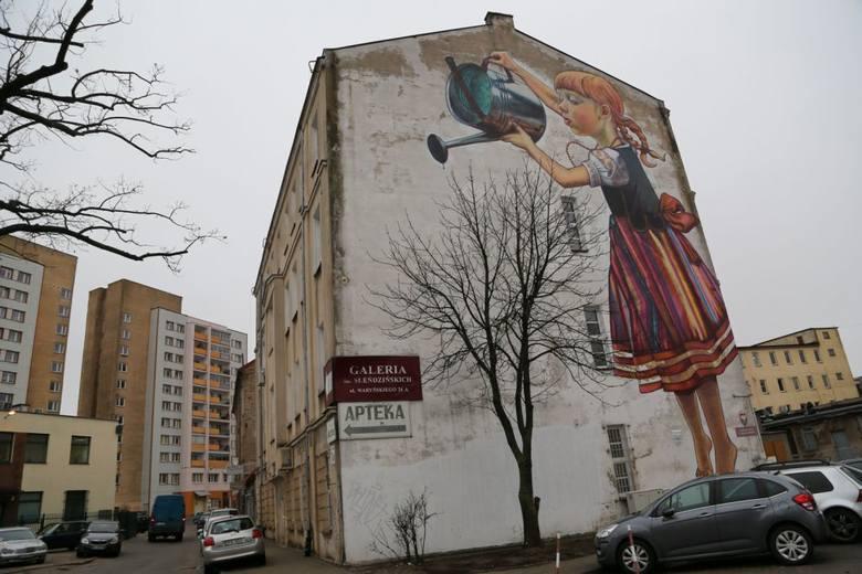 Radni pis dziewczynka z konewk musi zosta zdj cia for Mural dziewczynka z konewka