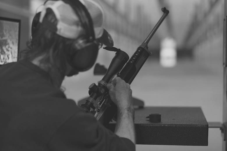 Strzelanie z broni krótkiej, długiej, czarnoprochowej czy innej na pewno podniesie poziom adrenaliny. Ważne, żeby obok nas był instruktor a strzelanie