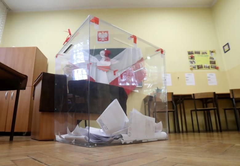 Zobacz, ile głosów otrzymali kandydaci do Rady Miasta Szczecina i czy otrzymali mandat.Szczegóły na kolejnym zdjęciu! >>>Zobacz