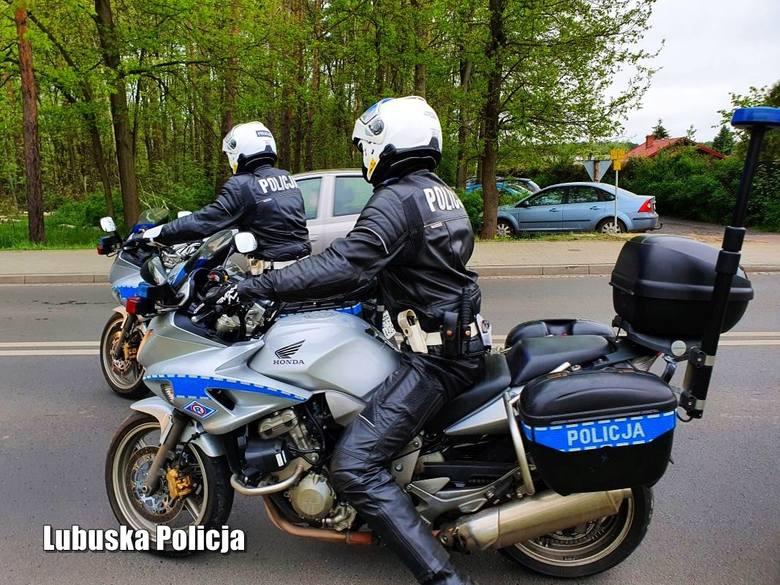 Po zimowej przerwie, na drogach powiatu nowosolskiego pojawiły się jednoślady. - Dzięki policyjnym motocyklom, mundurowi są w stanie jeszcze skuteczniej