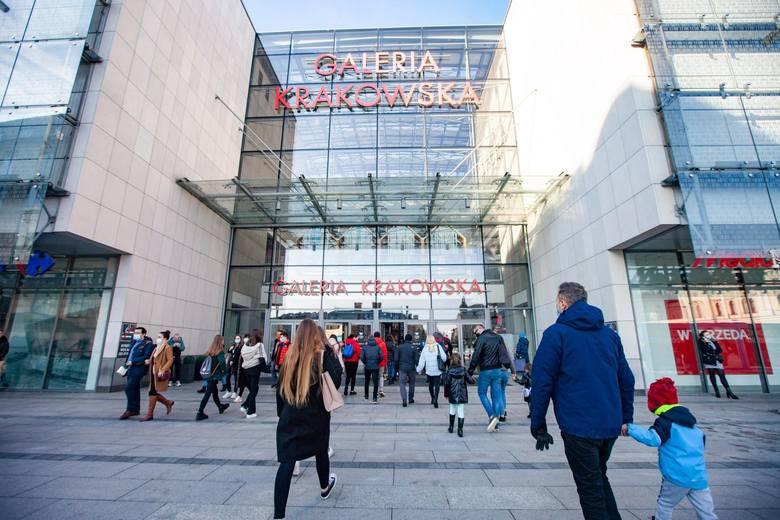 20.02.2021 krakowkrakowianie w galeriach handlowychn/z ludzie w galeriach handlowych w czasie pandemiifot. joanna urbaniecgazeta krakowska
