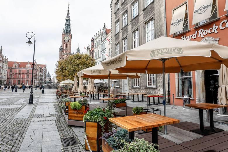 24.10.2020 gdansk. dlugi targ. od soboty gastronomia z ograniczeniami. restauacje, pupy i inne lokale z mala gastronomia moga wydawac posilki jedynie