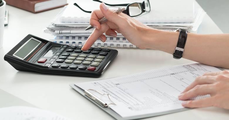 Za co w 2018 roku zapłacimy więcej. Sprawdziliśmy. Zobaczcie. Wideo: Kto zwykle zarządza domowym budżetem?/DDTVN