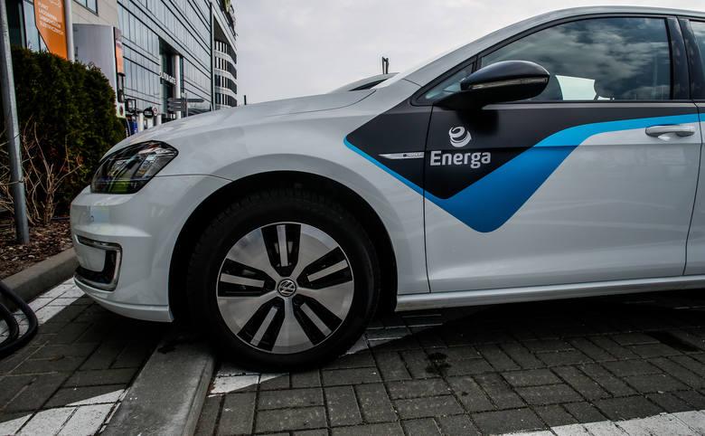 Zastąpienie pojazdów wydalających trujące spaliny autami jeżdżącymi na baterie powinno mieć szybkie i bezpośrednie przełożenie na czystość powietrza,