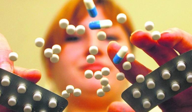 Lista leków z ograniczoną dostępnością w aptekach wydłuża się z miesiąca na miesiąc.