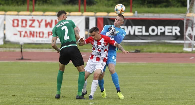 Nieco ponad pół roku temu Serhij Krykun walczył ostro w barwach Apklan Resovii przeciwko obrońcom i bramkarzowi Górnika Łęczna.