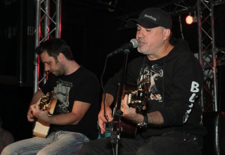 Na scenie wystąpili Szymon Wydra i Zbyszek Suski z Carpe Diem.
