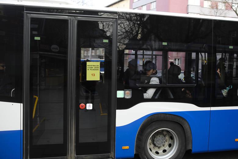 Kraków. Mieszkańcy o komunikacji: największa fikcja w dziejach MPK! Apelują o przywrócenie powszednich kursów autobusów i tramwajów