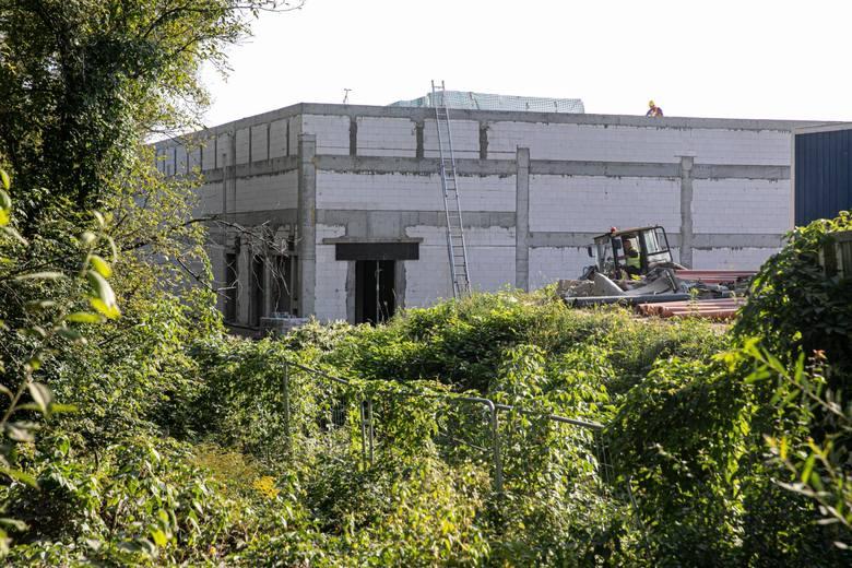 Budowa nowego centrum handlowego