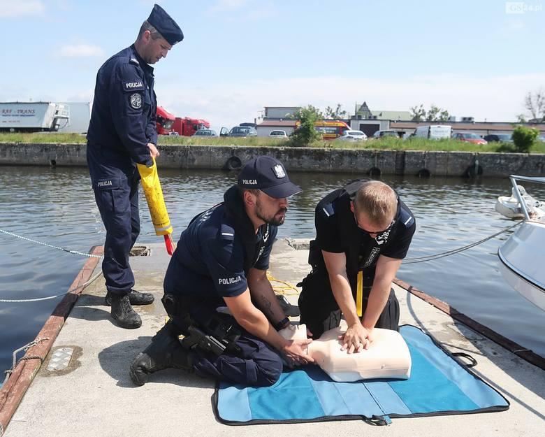 WOPR: zaczęli sezon nad wodą od szkolenia policjantów [ZDJĘCIA]