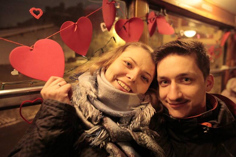 Walentynki w tramwaju, tradycyjnie w restauracji lub klubie albo na sportowo. Wiele miejsc w Łodzi i okolicy przygotowało na ten wieczór wyjątkowe atrakcje
