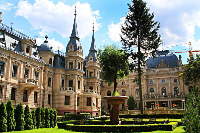 Pałac Izraela Poznańskiego jest obecnie jednym z symboli Łodzi.
