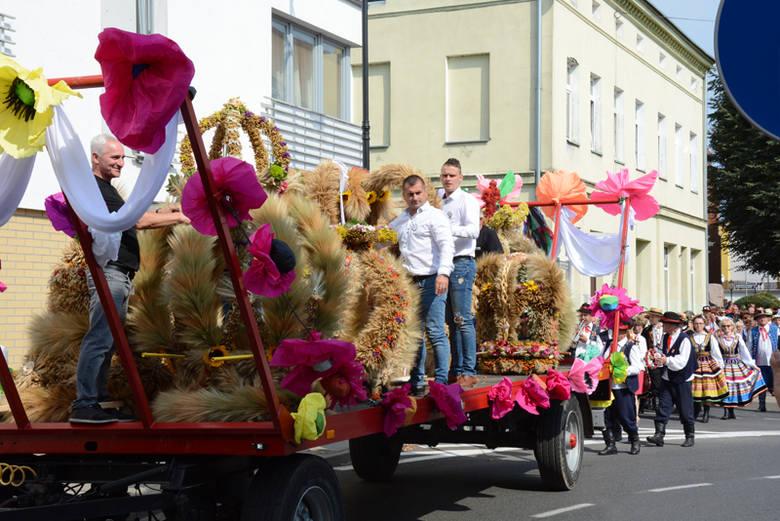 Drawsko po raz pierwszy było gospodarzem Wojewódzkiego Święta Plonów. Na uczestników czekało wiele atrakcji. Dopisała pogoda i humory.Uroczystości rozpoczęły
