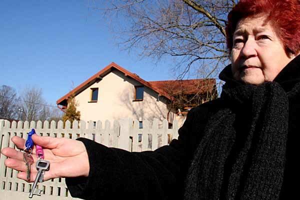 Przed wyjazdem Piotr przekazał mi klucze do swojego domu, Wierzę, że będę mogła mu je oddać - mówi Elżbieta Janocha.